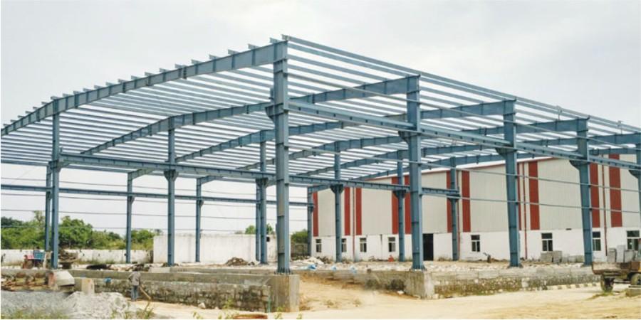 Kami adalah Kontraktor Gudang yang telah berpengalaman dalam berbagai skala project warehouse diseluruh Indonesia. Sebagai Kontraktor gudang terdepan percayakan Kami mengelola bangunan gudang atau proyek renovasi Anda dari awal hingga selesai. Kami telah menjadi kontraktor bangunan tepercaya di kawasan ini dengan sejumlah proyek yang diselesaikan dari semua kompleksitas menggunakan solusi kayu, logam, dan beton pracetak. BIAYA PEMBANGUNAN GUDANG DAN PABRIK Biaya membangun gudang bervariasi tergantung pada kompleksitas desain Anda. Metode populer yang memanfaatkan baja IWF beton pra-cetak dapat menghemat biaya, terutama untuk struktur kolom interior. Sebagian pembuatan beton pra-cetak diselesaikan di pabrik menjadikannya populer untuk berbagai proyek, terutama bangunan gudang dan struktur yang tidak memerlukan manipulasi suhu yang rumit atau lingkungan yang dengan kontrol kelembaban. Beberapa manfaat dari baja IWF dan panel pra-cetak : kecepatan, daya tahan tinggi, hemat anggaran RENOVASI GUDANG Apakah Anda memiliki gudang yang perlu diperbarui atau diperluas untuk memenuhi kebutuhan perusahaan Anda?. Renovasi dan konversi gudang biasanya lebih sedikit membutuhkab biaya daripada membangun struktur baru, ini merupakan pilihan yang sangat baik bagi banyak perusahaan besar dan kecil. Banyak klien kami mengubah ruang gudang yang ada menjadi ruang kantor. Ruang yang ada dapat diubah menjadi lingkungan kerja yang indah dan fungsional untuk perusahaan Anda. Rubah pabrik dan bangunan lama menjadi fasilitas kerja modern. Dapatkan Bantuan Profesional dari Kami Sekarang Juga untuk Solusi Terbaik Gudang/Pabrik Anda! • Gambar Design/Layout • R.A.B • Free Konsultasi KONSULTASI SEKARANG HUBUNGI (081) 6902 951 Bookmark Halaman ini Biaya Bangun Gudang Per M2 0816902951 PERENCANAAN KONSTRUKSI GUDANG DAN PABRIK Fase perencanaan bangunan gudang atau proyek renovasi menentukan hasil akhir agar tepat waktu dan sesuai anggaran yang telah di tentukan. Kami dengan cermat meninjau kebutuhan A